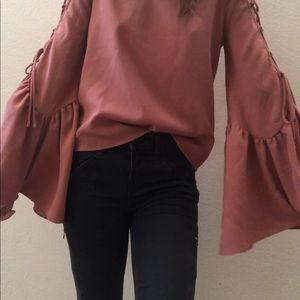 WAYF Bell sleeve shirt ✨✨